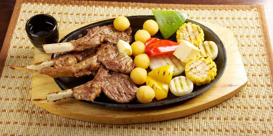 Abbacchio scottadito Roman dish