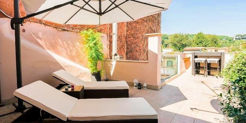 Garibaldi Roof Garden Apartment in Rome