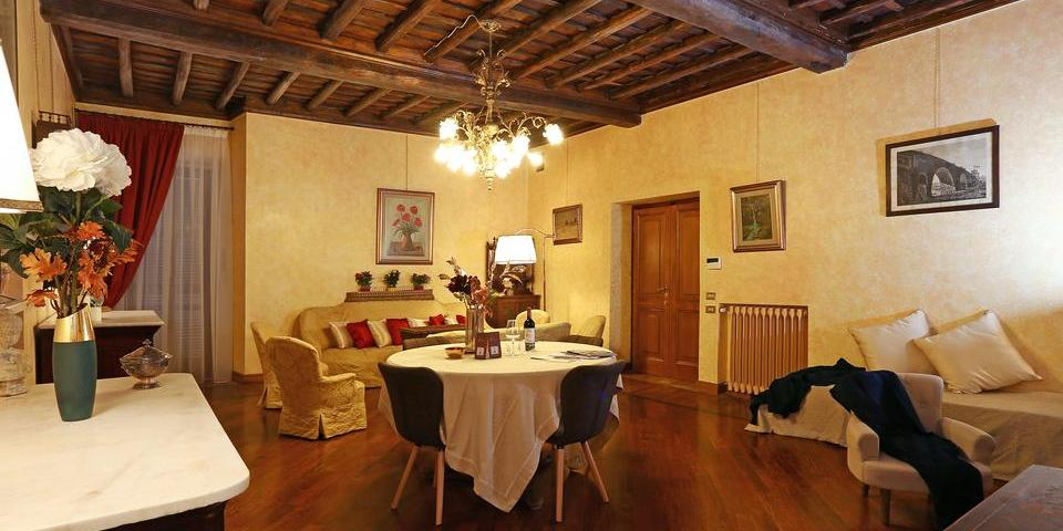 La casa dell'orologio di Palazzo Berardi in Rome
