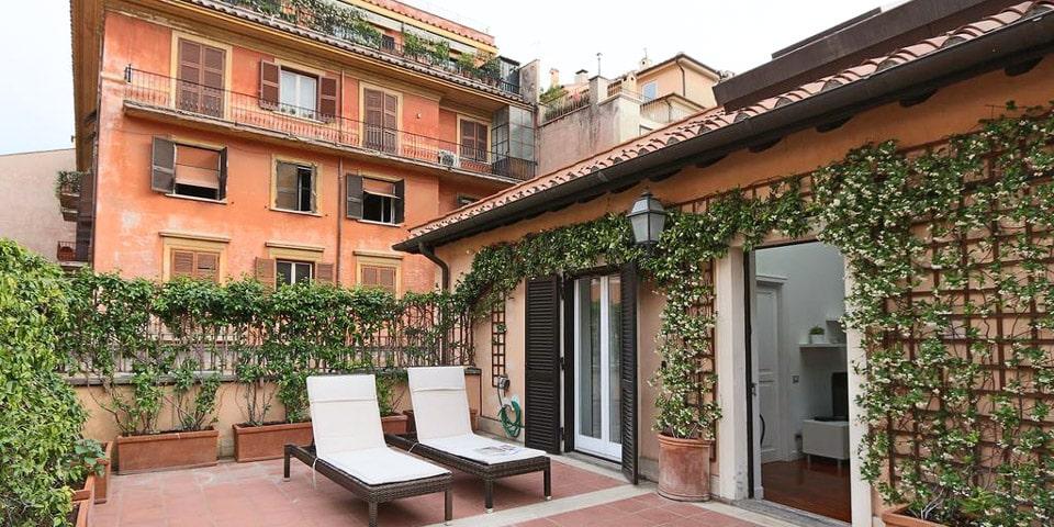 Piazzetta Margutta apartment in Rome
