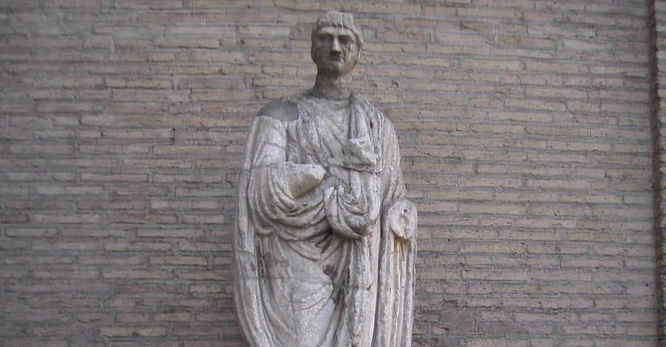 abate luigi talking statue of rome