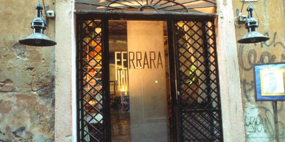 Family restaurant enoteca Ferrara in Rome