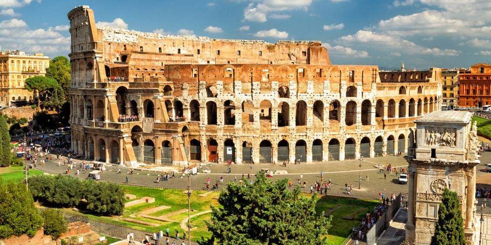 how to get from airport to the Colosseum
