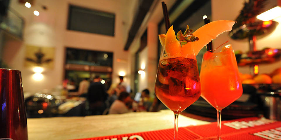 Momart Restaurant with Buffet Aperitivo in Rome